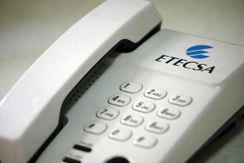Rebajan en Cuba tarifas de llamadas y mensajería internacional