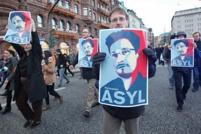 Desmienten versión de entrega por Rusia de exagente Snowden a EE.UU.
