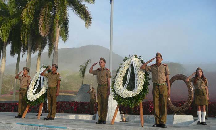 Homenaje de Fidel y Raúl a combatientes del II Frente Oriental