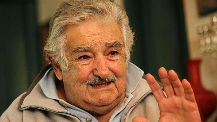 Convoca Mujica a luchar por la confianza de los pueblos