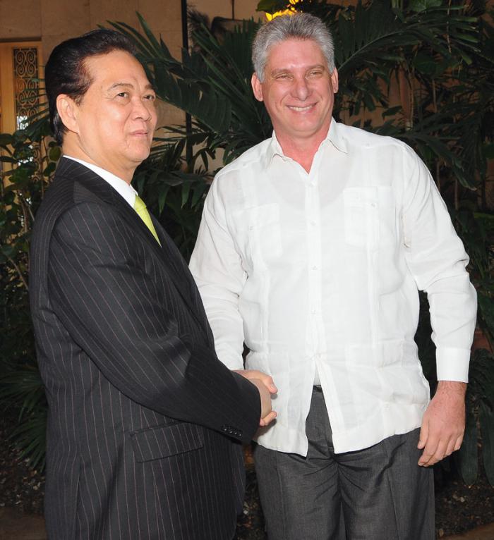 Vicepresidente cubano recibe a Primer Ministro de Vietnam (+Fotos)