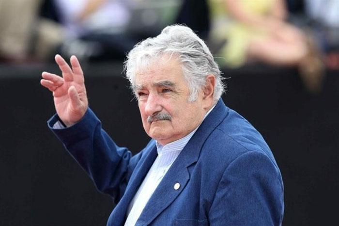Recibe presidente uruguayo a delegación cubana de visita en su país