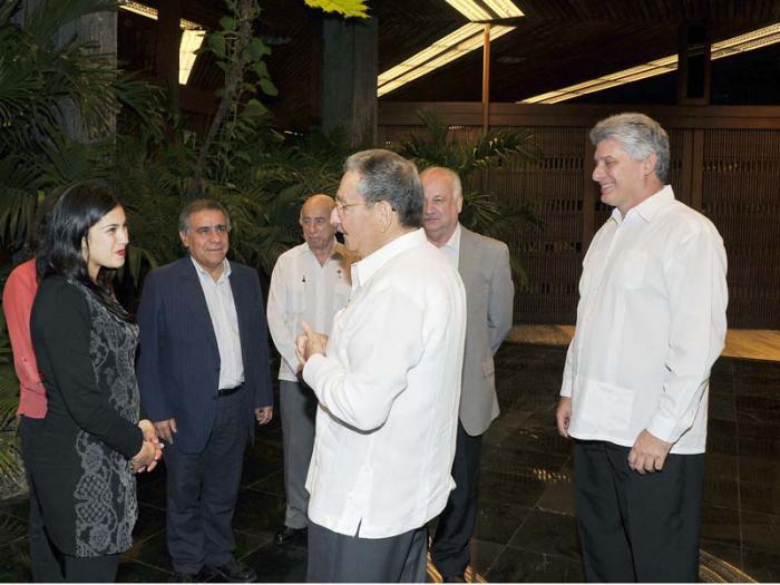 Recibió Raúl  Castro al Presidente Nacional del Partido Comunista de Chile