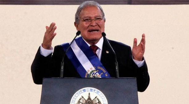 Sánchez Cerén tomó posesión esta mañana como presidente de El Salvador. (Foto tomada de elsavador.com)