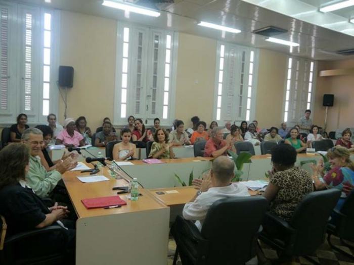 El II Coloquio de Español como Lengua Extranjera, organizado por la Universidad de La Habana reunió a especialistas de Colombia, Chile, Canadá, México, España y Cuba.