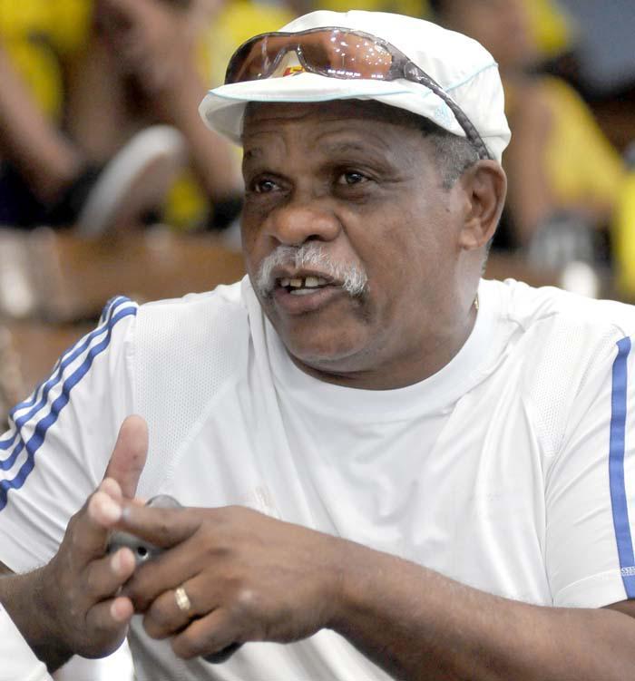 Fallece entrenador cubano de boxeo, Julio Mena