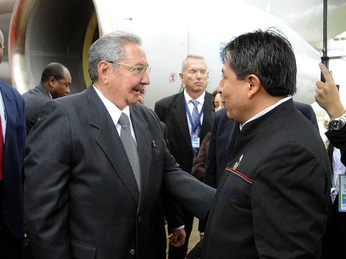 Raúl Castro está en Bolivia para Cumbre del G-77 + China