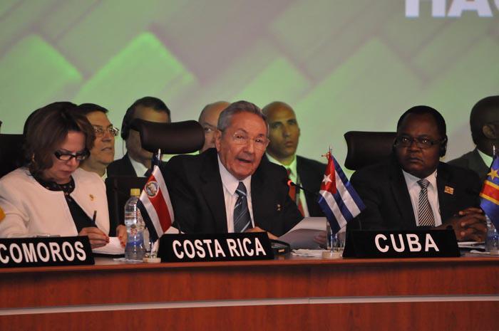 RaÚl Castro interviene en la Cumbre de G77+CHINA EN bOLIVIA