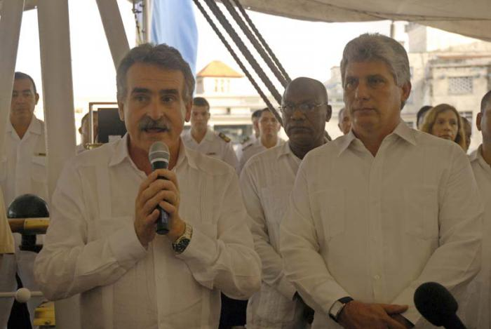 Cuba continuará apoyando a Argentina, afirmó Díaz-Canel.