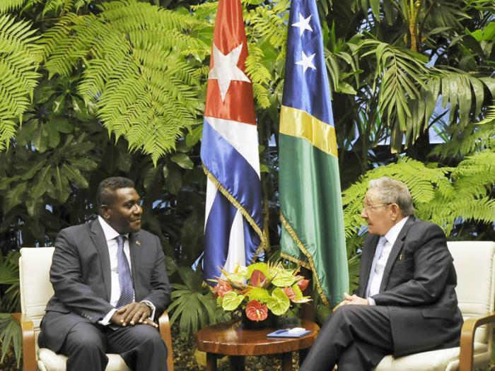 Recibió el Jefe de Estado cubano al Primer Ministro de Islas Salomón