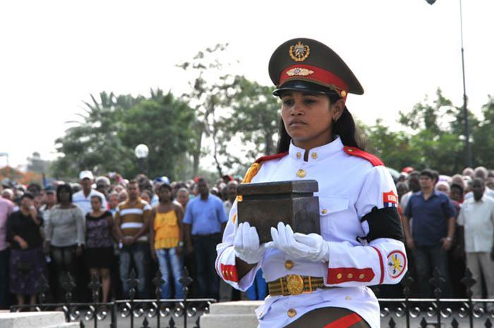 Cenizas de heroína cubana descansan en Mausoleo de los Mártires