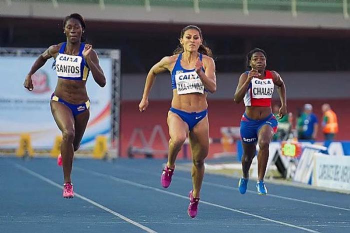 Ana C. Lemos Silva impuso récord de 11.13 para los 100 metros planos de campeonato. Foto: Marcelo Machado