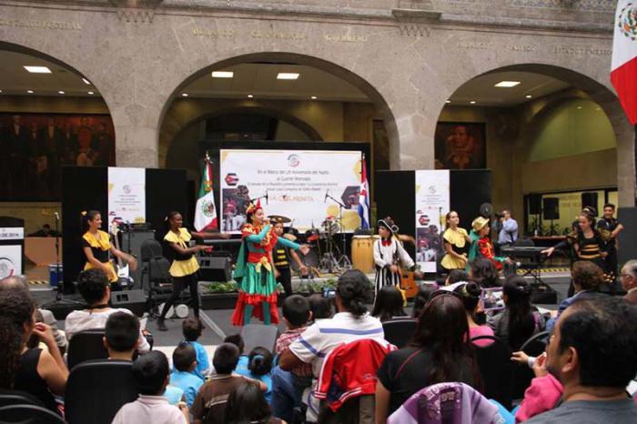 Resounding Success of Cuba's La Colmenita in Mexico