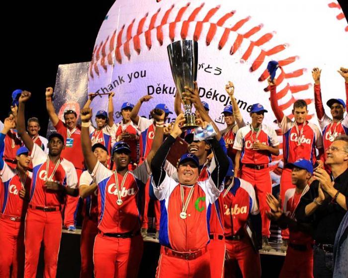 Una contundente actuación de los cubanos les permitió alzarse con la corona luego de ganar el juego decisivo a Estados Unidos. Foto: IBAF