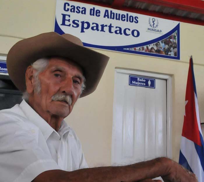 Abarcador programa de atenci n al anciano cuba granma rgano oficial del pcc - Muere el abuelo de la casa de empenos ...