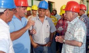 Exhorta Machado Ventura a potenciar la producción tabacalera