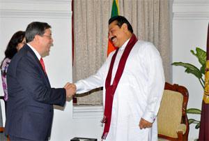 Presidente de Sri Lanka recibe a canciller cubano