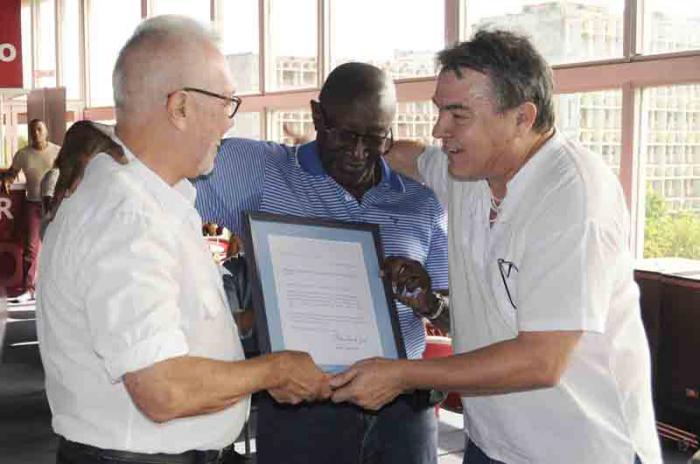 Envía Raúl Castro mensaje de felicitación a Danza Contemporánea de Cuba