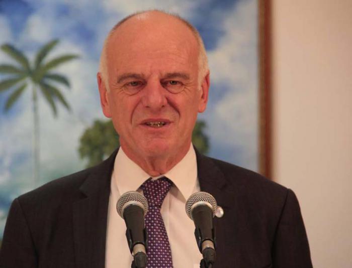 Agradece enviado especial de la ONU para el ébola apoyo de personal médico cubano