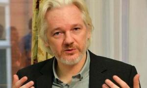 Julian Assange en la embajada de Ecuador.