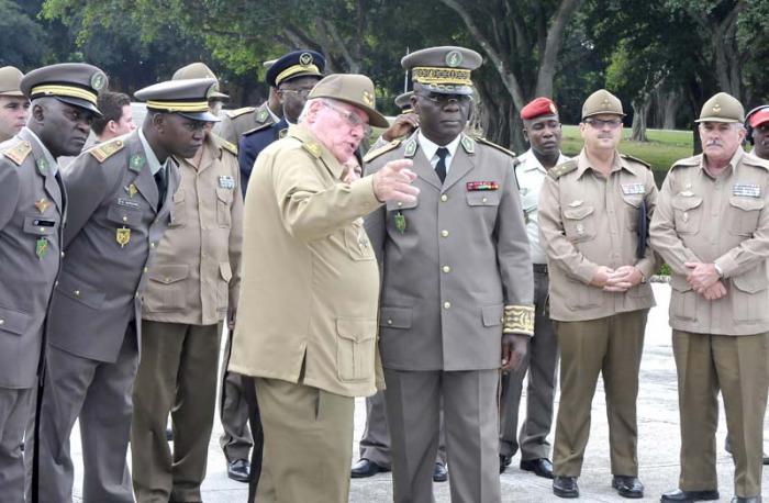 Inició visita oficial a Cuba General de División Guy Blanqnchard Okoi