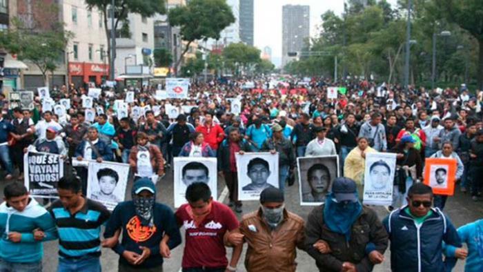 Otra jornada de protesta en México por desaparecidos de Ayotzinapa.