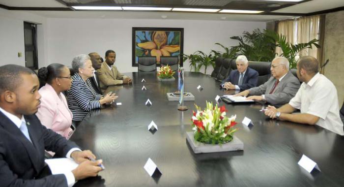 Cuba y Las Bahamas interesados en fortalecer colaboración económica