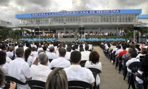 Acto por el 15 Aniversario de constituida por el Comandante en Jefe Fidel Castro Ruz la Escuela Latinoamericana de Medicina. Un ejército de batas blancas por la salud del mundo
