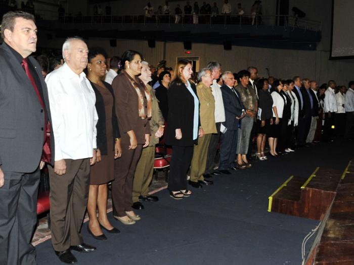 Raúl Castro presidió acto por 50 años de Universidad técnica cubana