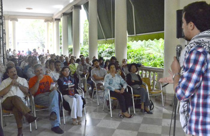 Encuentro de Solidaridad por los Derechos de los Pueblos-Kenia Serrano Puig (Presidenta del ICAP). Edwin González (Delegado de la Misión de Puerto Rico) y Fernando González (Vicepresidente del ICAP)