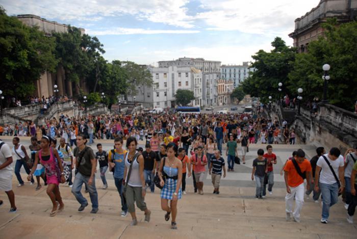 La educación universitaria con igualdad de oportunidades para todos, otros de los derechos de los jóvenes cubanos