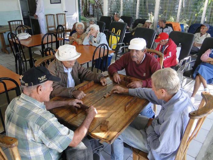 Nuevas medidas para la atenci n a los adultos mayores cuba granma rgano oficial del pcc - Casa para ancianos ...