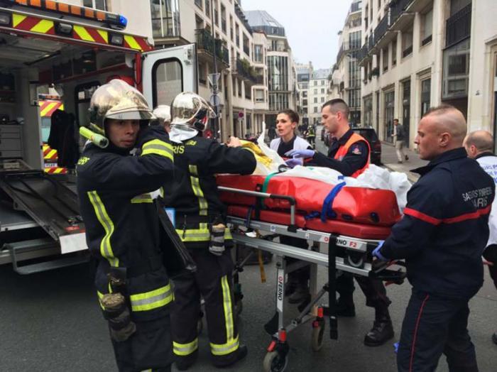En el atentado fallecieron al menos 12 personas y otras 15 resultaron heridas.