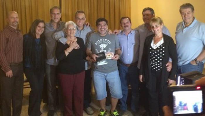 """Maradona y Víctor Hugo se reúnen con los Cinco: adelantan detalles de """"De Zurda"""" en La Habana"""