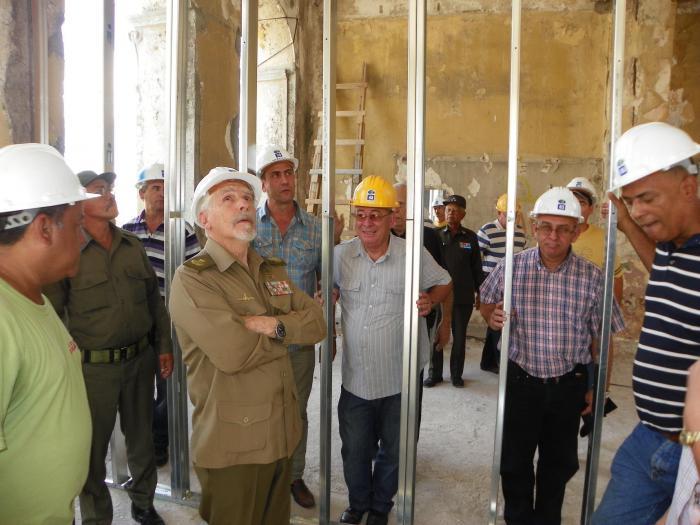Examina Ramiro Valdés acciones para mejorar abasto de agua y obras sociales y económicas