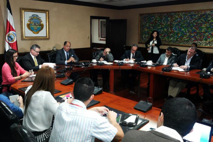 Conferencia de prensa del presidente costarricense Luis Guillermo Solís.