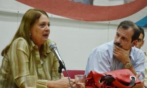 Héroe cubano conversa con estudiantes universitarios