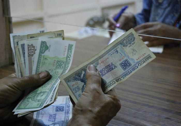 Beneficia Banca cubana a damnificados por huracán Matthew