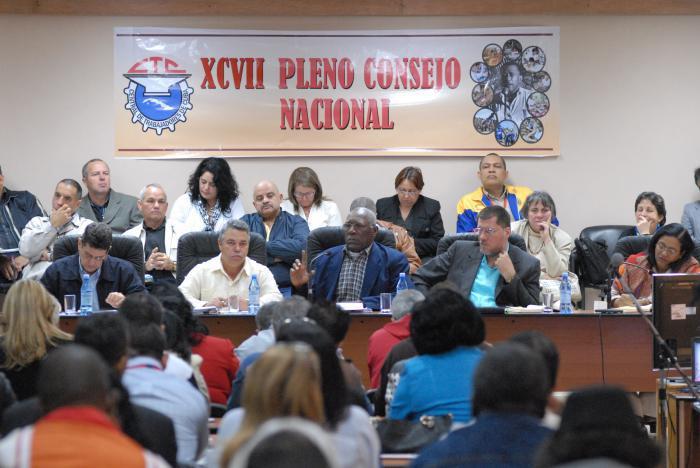 Salvador Valdés Mesa participó en los debates que condujo Ulises Guilarte de Nacimiento Foto: Ismael Batista