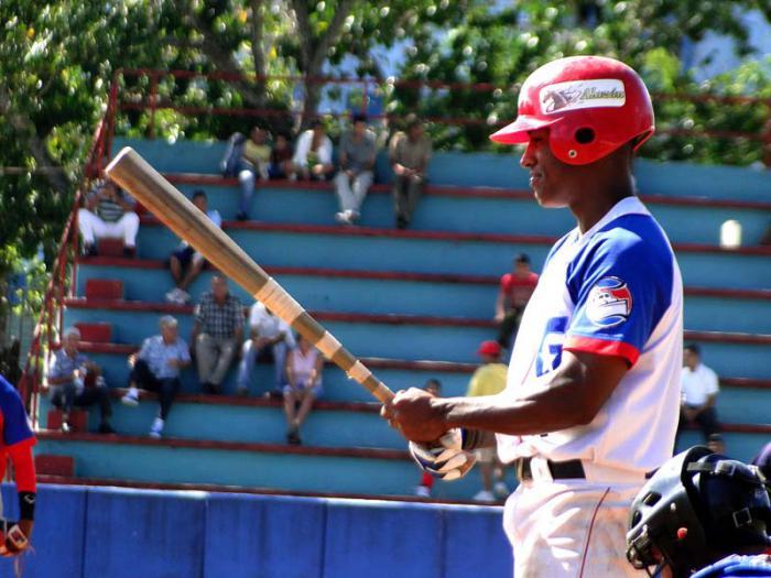 Orientales exhiben habilidades de Estrellas del Béisbol cubano