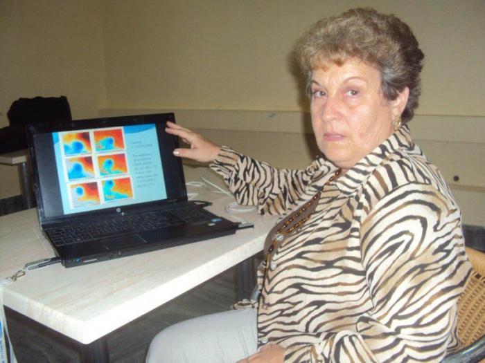 Doctora en Ciencias Ida Mitrani, del Centro de Física de la Atmósfera del Instituto de Meteorología,  dirige el proyecto por la parte cubana. Foto Orfilio Pelaez