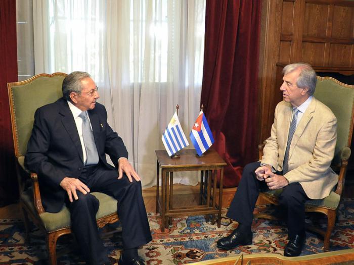 Tabaré Vázquez recibió al Presidente cubano Raul Castro