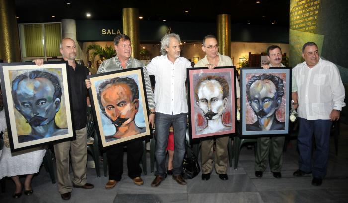 Acto de entrega de estímulos a Nuestros Cinco Héroes  Efectuado en el Memorial José Martí el cual fue presidido por el Dr. Armando Hart Dávalos Director de la Oficina del Programa Martiano y Miembro del Comité Central del P.C.C