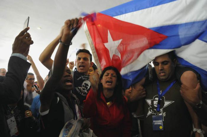 Ante la presencia de mercenarios, delegación cubana abandona Foro de la Sociedad Civil