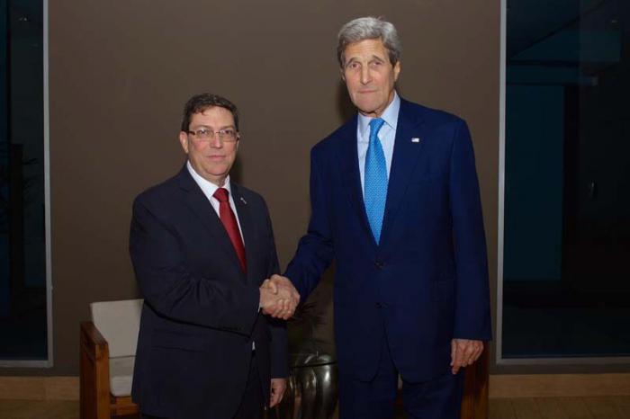 Cancilleres de Cuba y Estados Unidos se reúnen en Panamá