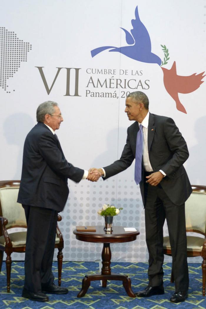 Se reúnen Raúl Castro y Barack Obama en VII Cumbre de las Américas