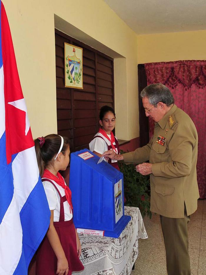 Ejerció Raúl su derecho al voto