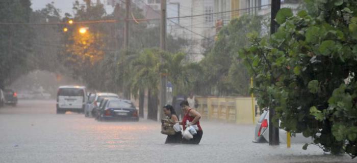 Inundaciones en La Habana. Calzada y G, Vedado.