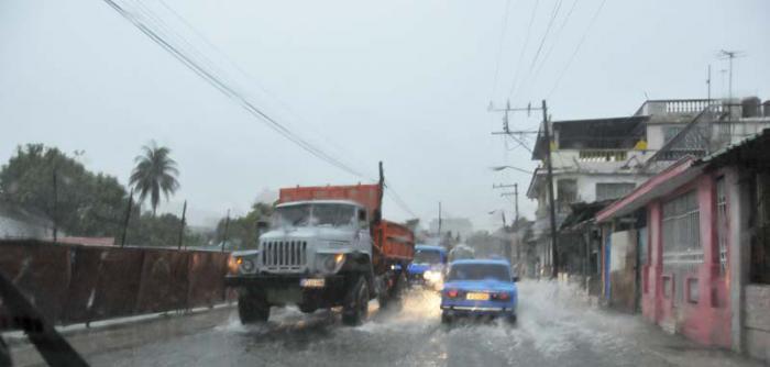 Inundaciones en La Habana. Calle Saldo.