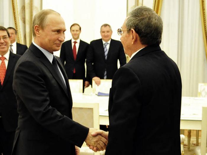 Vladimir Putin recibió a Raúl Castro en el Kremlin